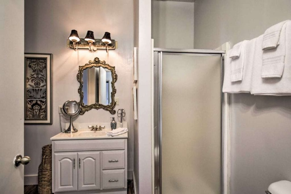 Vintner Cottage Bathroom