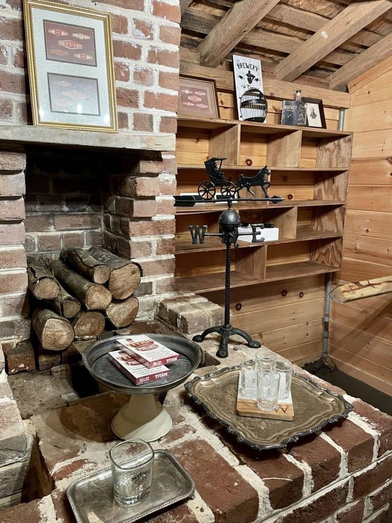 Grooms Cigar Lounge in Blue Ridge
